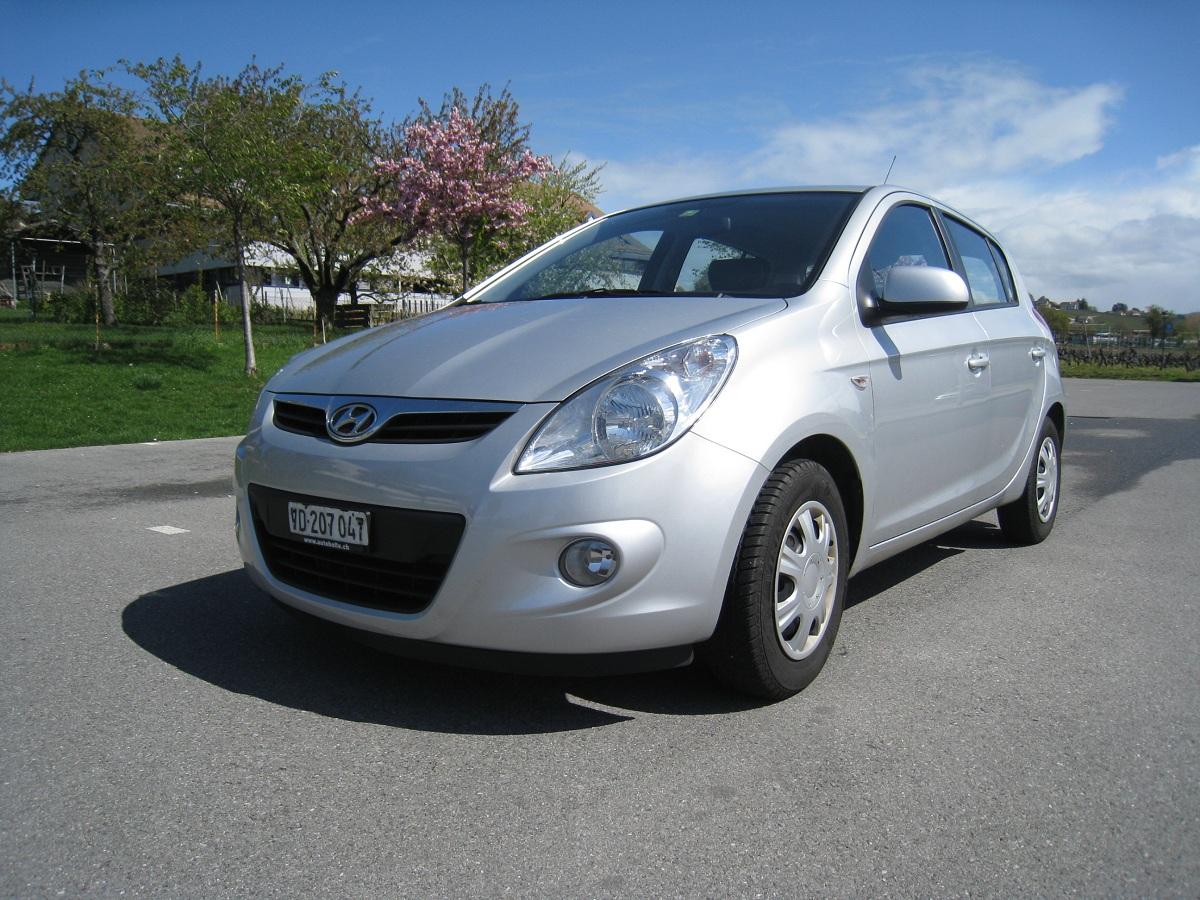 auto occasion hyundai i20 1 6 premium 126cv  argent m u00e9t   2009  35000 km  tr u00e8s soign u00e9e  comme