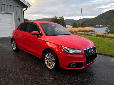 Audi Audi A1   Diesel Manuelle Rouge  Audi A1  Diesel Manuelle Rouge  Rouge