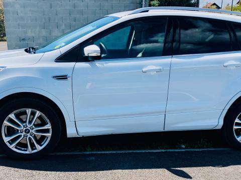 Ford FORD Kuga 2.0 TDCI Titanium 4WD (SUV/tout terrain) FORD Kuga 2.0 TDCI Titanium 4WD (SUV/tout terrain) Blanc
