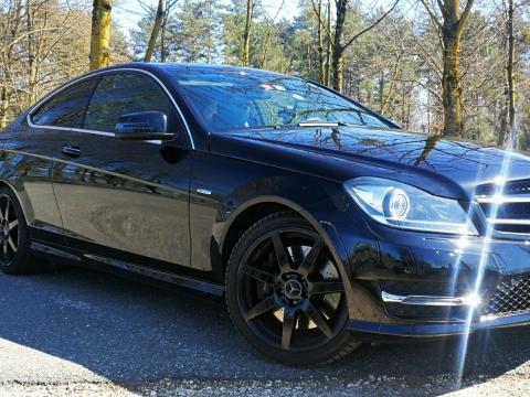 Mercedes-Benz classe c Noire